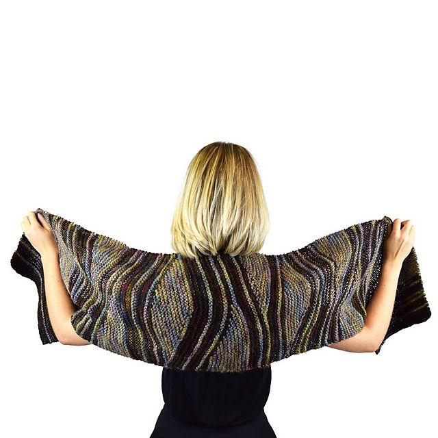 """The small version of the so popular """"Miss Grace Shawl"""" is finally here!"""