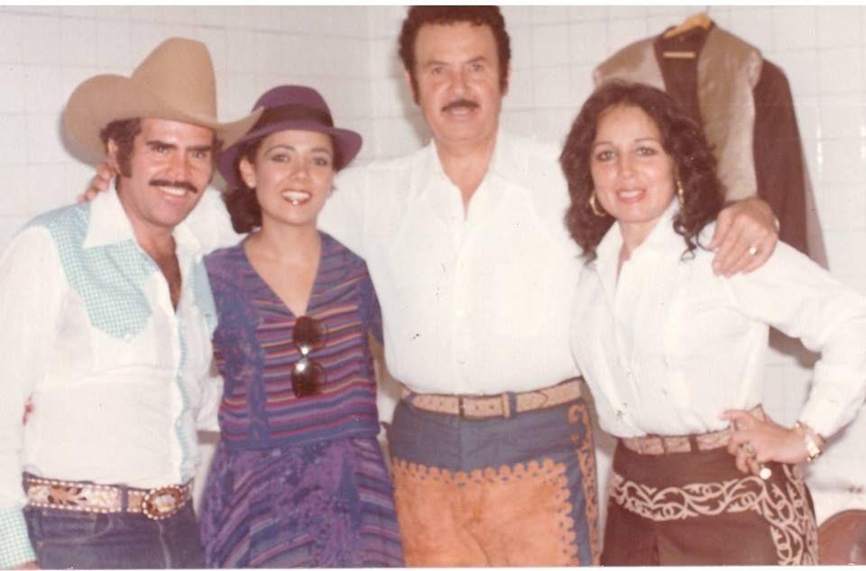 Flor Silvestre Antonio Aguilar Carmen Cardenal Y Vicente Fernández Fotos De Pedro Infante Cine De Oro Mexicano Vicente Fernandez