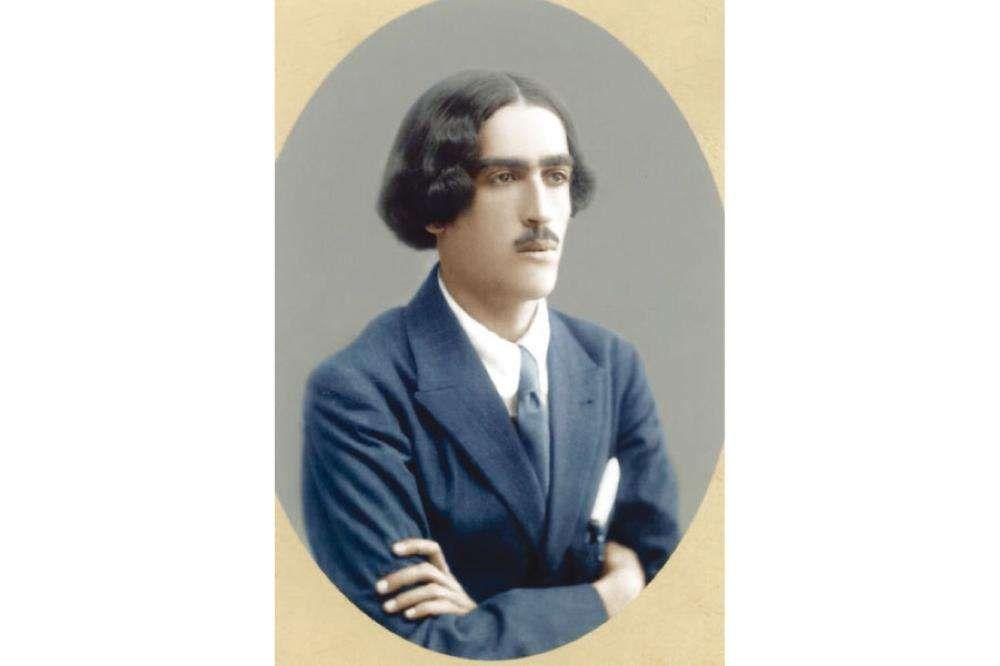 مصطفى وهبي صالح التل عرار شاعر الأردن ومن مشاهير الشعراء العرب في العصر الحديث 25 مايو 1899 24 مايو 1949 وكان عرار قد ترجم رباع Men S Blazer Blazer Men