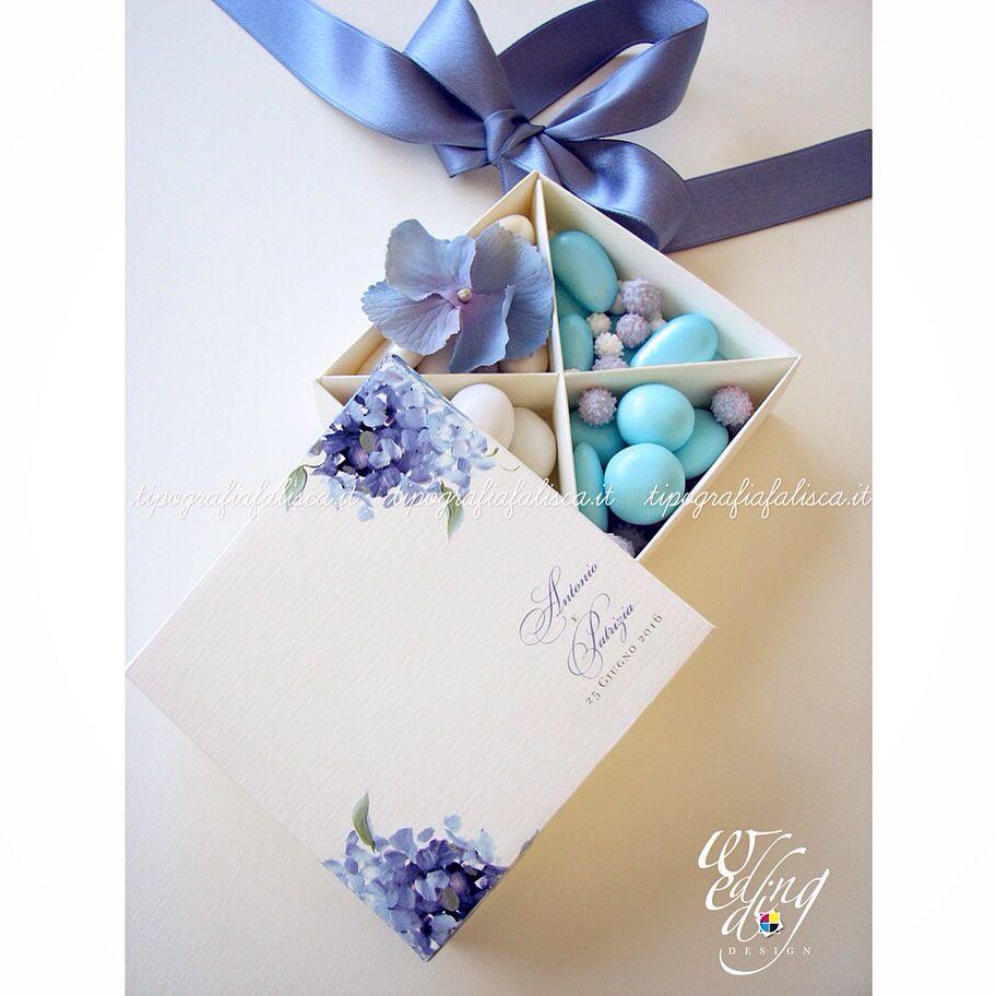 Deliziosa scatola personalizzata con decoro ortensia, nomi sposi e ...