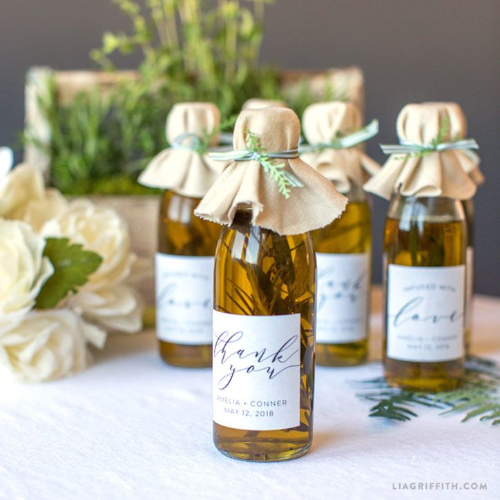 Wow Your Guests With These DIY Infused Olive Oil Wedding Favors #oliveoils