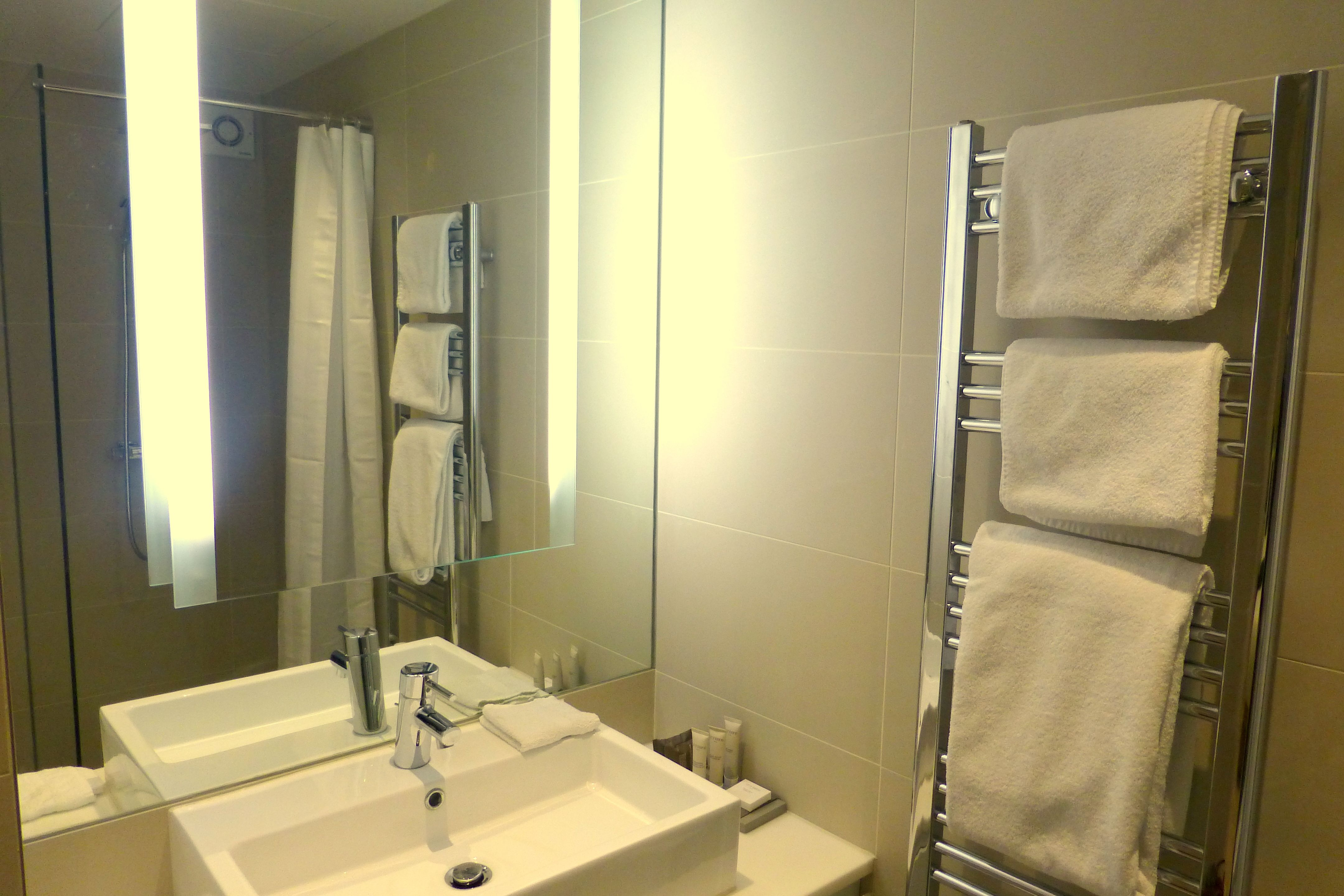 Stylish bathrooms Beautiful Bathrooms Pinterest