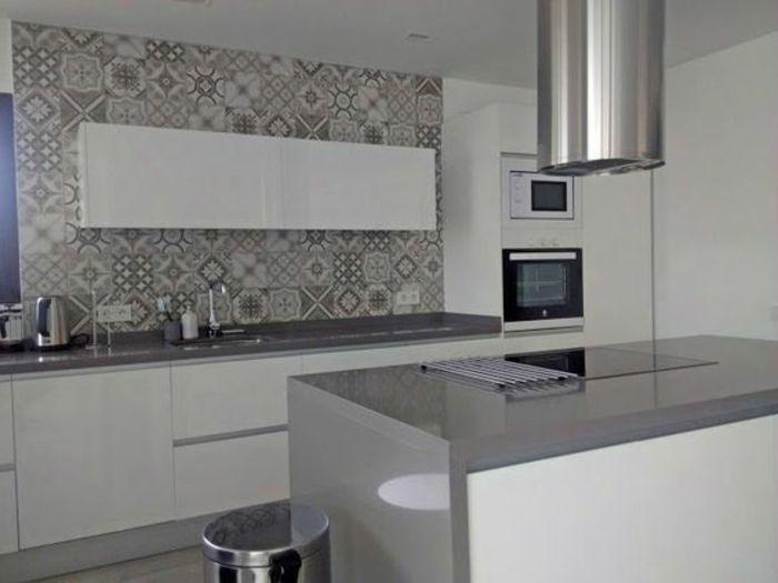Cocina blanca y gris azulejos interesantes cocina grande - Cocina blanca y gris ...