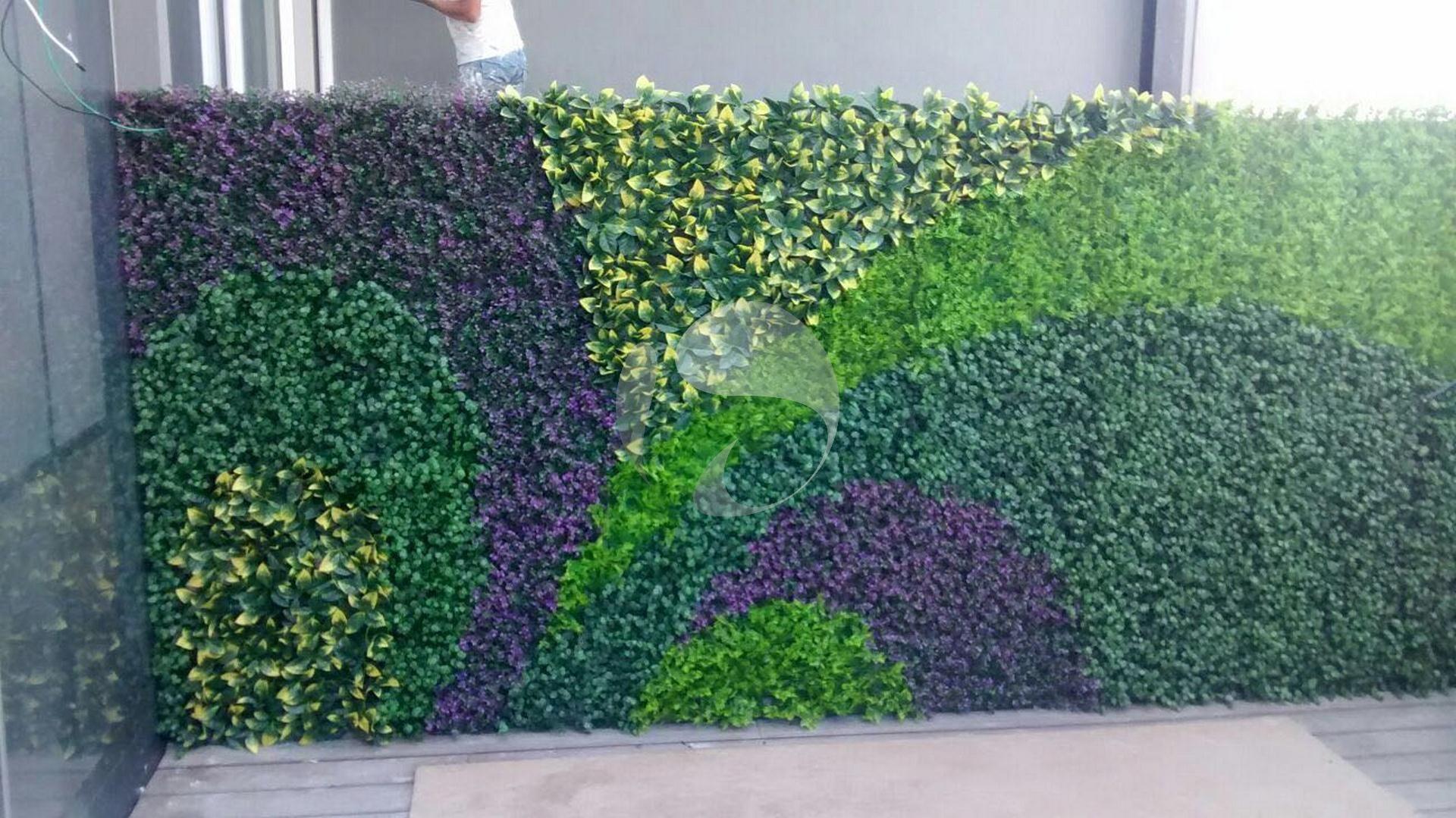 Pin de muros verdes en muros verdes artificiales nos for Plantas ornamentales artificiales