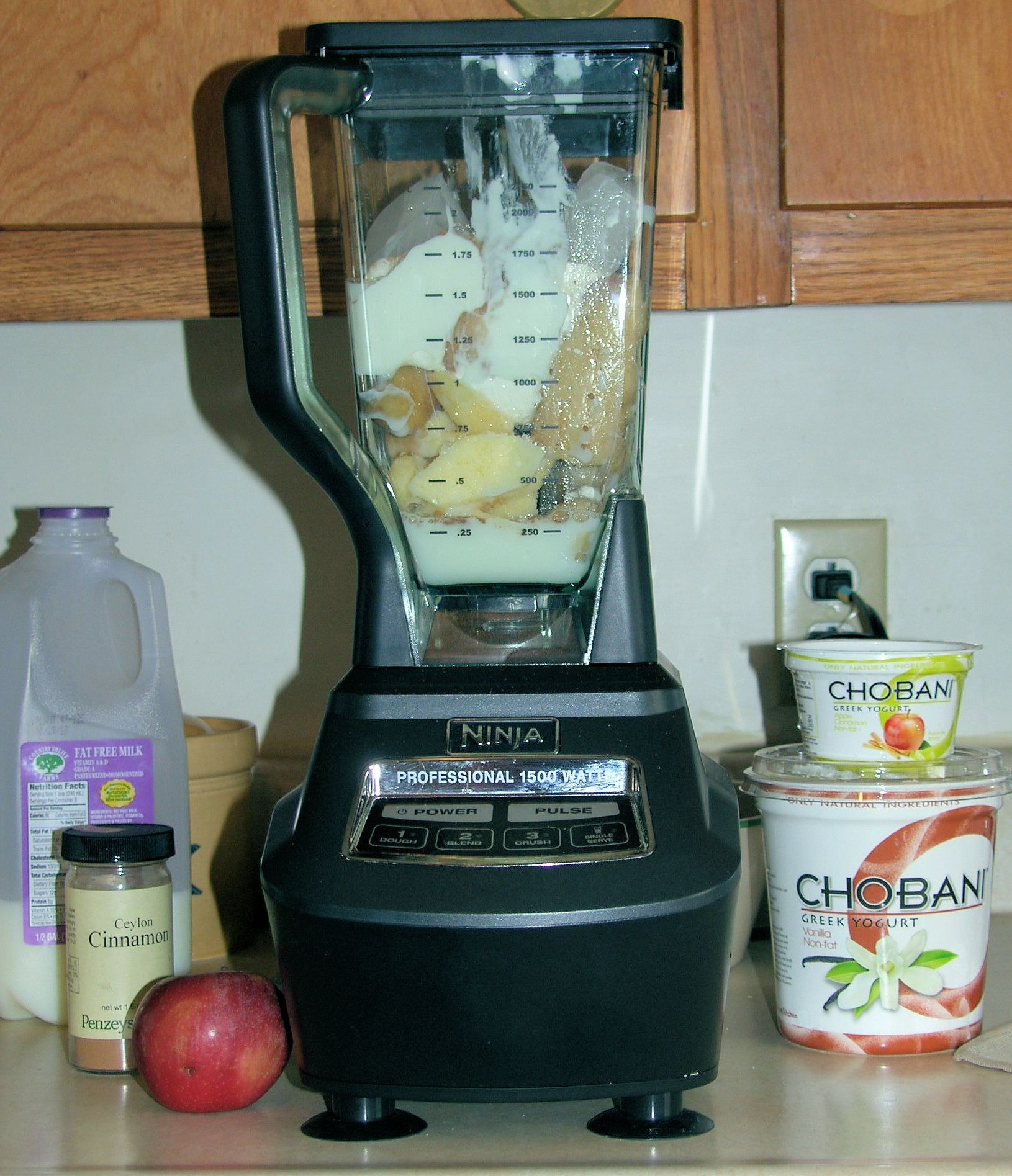 Apple and Cinnamon Smoothie with Chobani Greek Non-Fat Yogurt ...