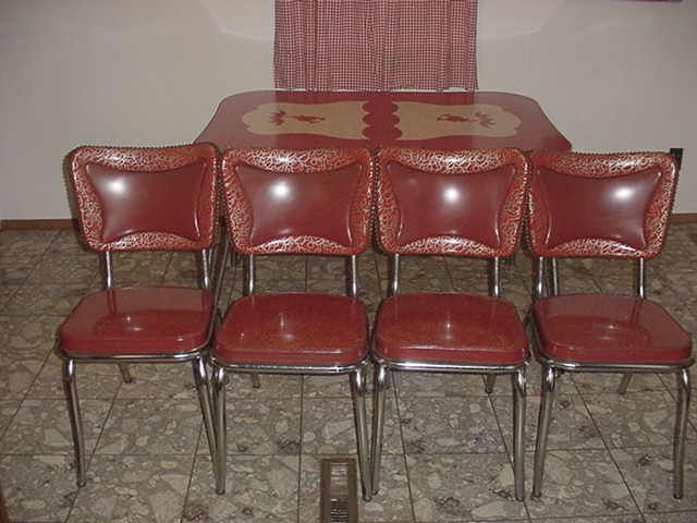 Vintage Deco Chrome Red, White And Gray Kitchen Dinning Table With Leaf And  Leaf And