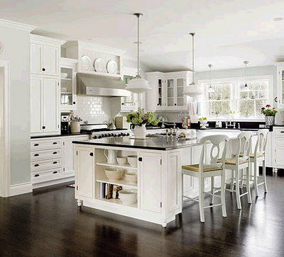 White kitchen cabinets for the most timeless kitchen for Beautiful black kitchens