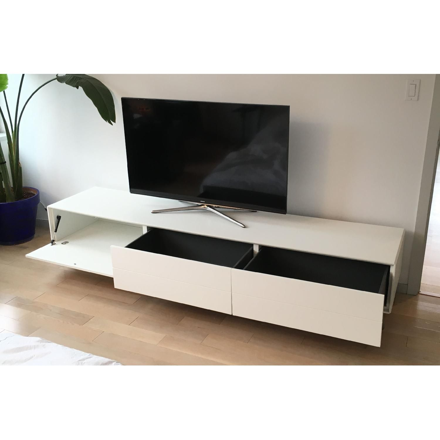 Boconcept fermo media unit media console pinterest - Comment cacher fils derriere meuble tv ...
