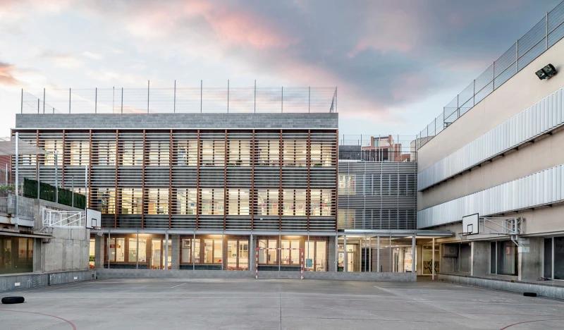 H Arquitectes Adria Goula School In Sabadell Divisare In 2020 School Building Plans Building Spanish Architecture