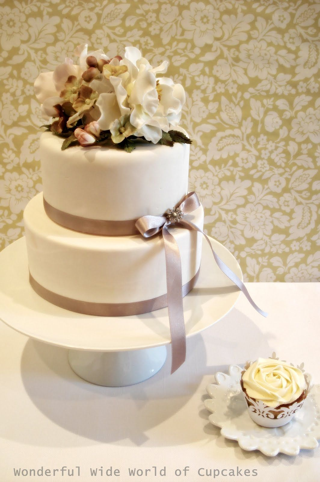 Wonderful World 2 Tier Wedding Cake Simple 2 Tier
