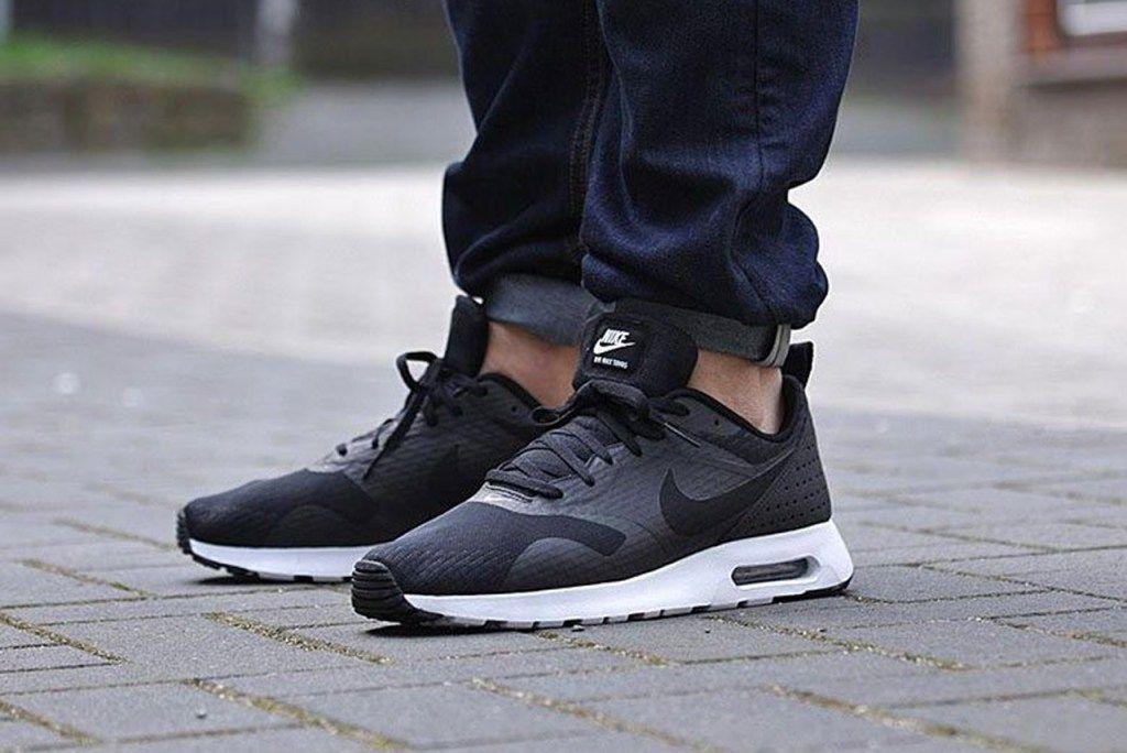 a694bbae9979 Nike Air Max Tavas Essential