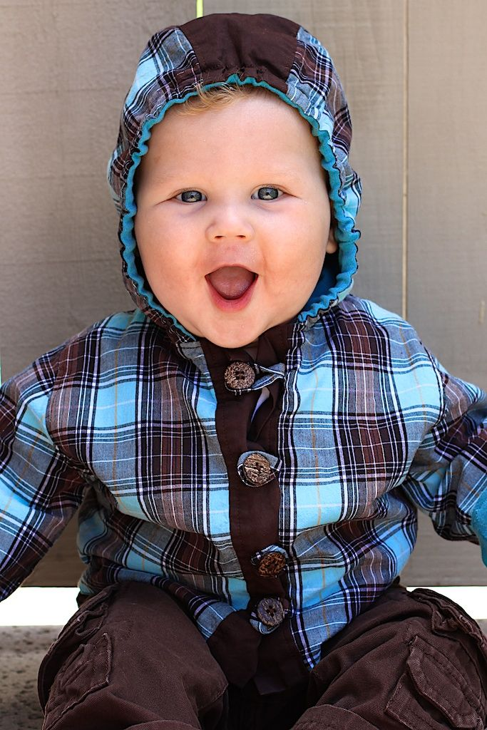 How cute is this baby hoodie pattern for fall? Check out the FREE ...