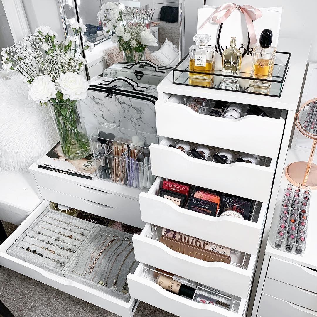 45 Brilliant Makeup Organizer & Storage Ideas for Girls images