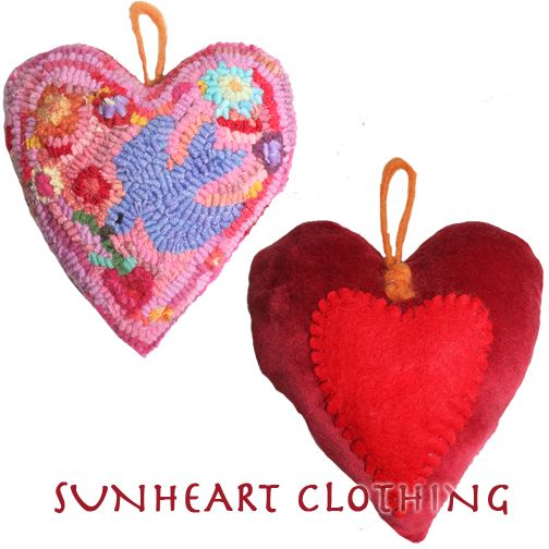 $65 HOLIDAY  GIFTS ORNAMENTS HOOKED RUG HEART
