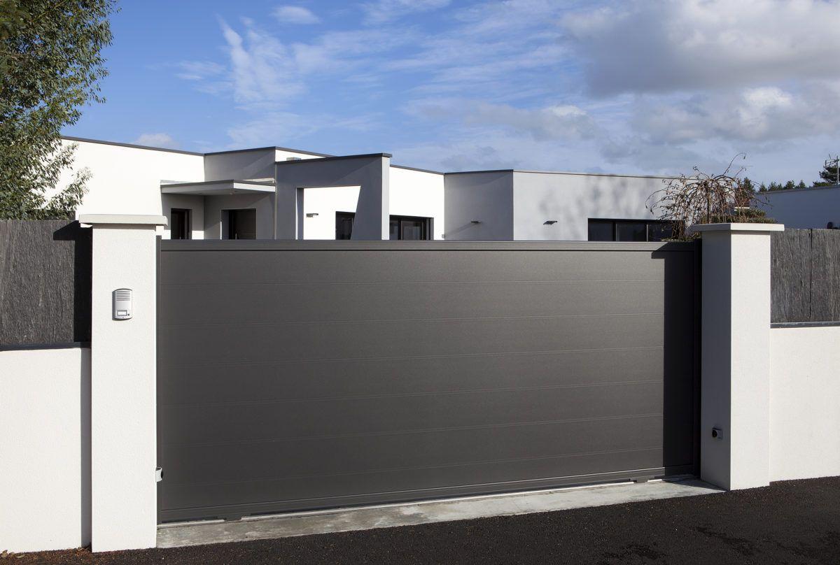 Portail Coulissant En Aluminium Jersey La Toulousaine Portail Portail Coulissant Portail Maison