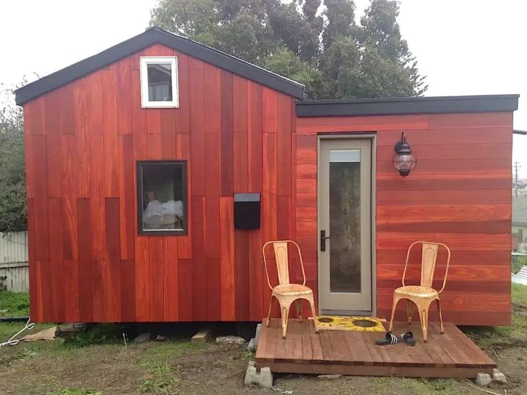 Modern Tiny House On Wheels In Oakland California Tiny House Vacation Tiny Houses For Rent Modern Tiny House