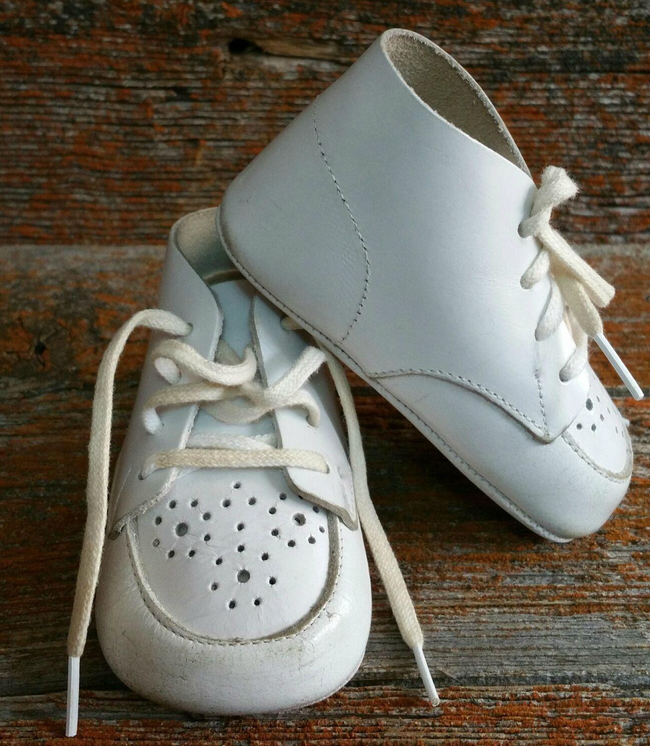 Vintage Buster Brown White Baby Toddler Walking Crib Shoes Size 2