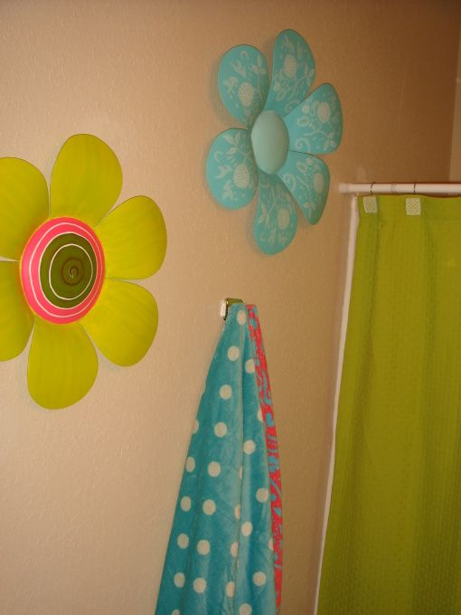 Meg's Apartment with ADPi Flair - Dorm Room Designs - Decorating Ideas - HGTV Rate My Space