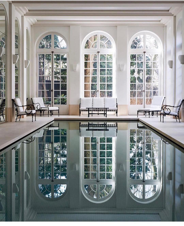 """Gefällt 32 Mal, 4 Kommentare - ShaunasStage (@shaunasstage_) auf Instagram: """"Indoor pool 🏊🏾♀️ vibes like THIS🙌🏾. Via @elysse_inspirations 💠🌐💠🌐💠"""""""