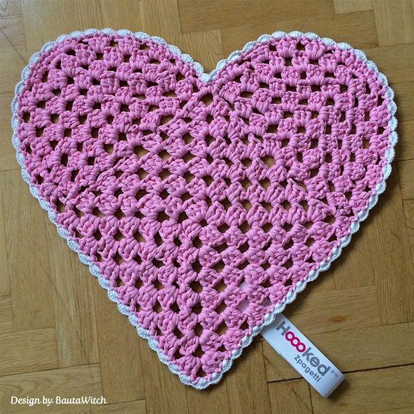 Zpagetti Yarn Heart Shaped Rug - free PDF pattern | Hobby ...