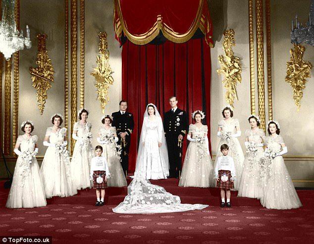 Secret of Her Majesty's honeymoon smile   Royal wedding gowns ...