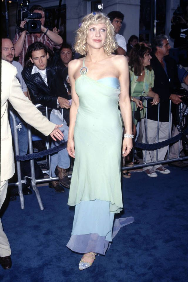 Courtney Love S Most Iconic Red Carpet Moments Courtney Love Red Carpet Dresses Fashion