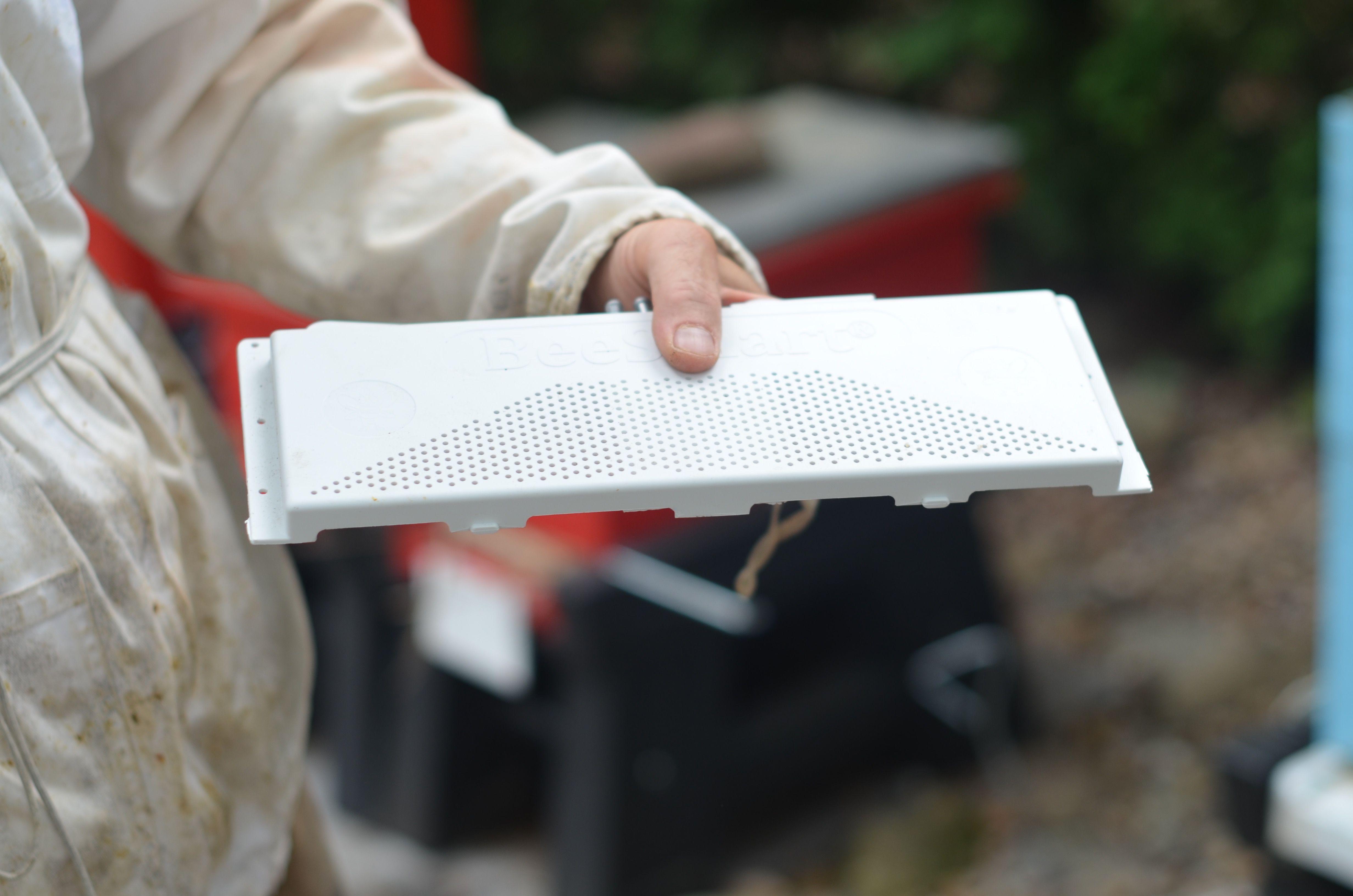 The Ultimate Robbing Screen has ventilation holes to keep hive orders low and robbers away from doors!  • • • • #bee #bees #beehive #honeybee #winter #winterbee #apiary #apiaries #beekeeper #beekeep #beekeeping #pollination #pollinate #honey #apiarist #beehive #queenbee #housebees #robbingscreen #screen #ventilation