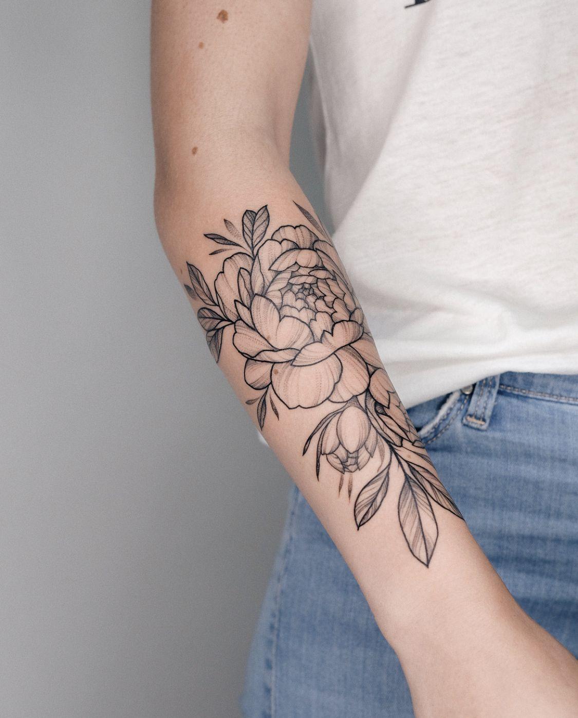 Pin By Chandra Freeman On Tattoo Flower Thigh Tattoos Sleeve Tattoos Thigh Tattoo