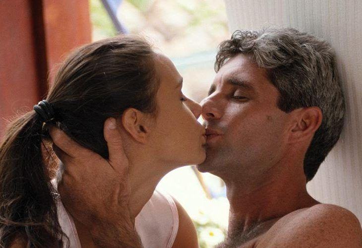 best dating older man younger woman