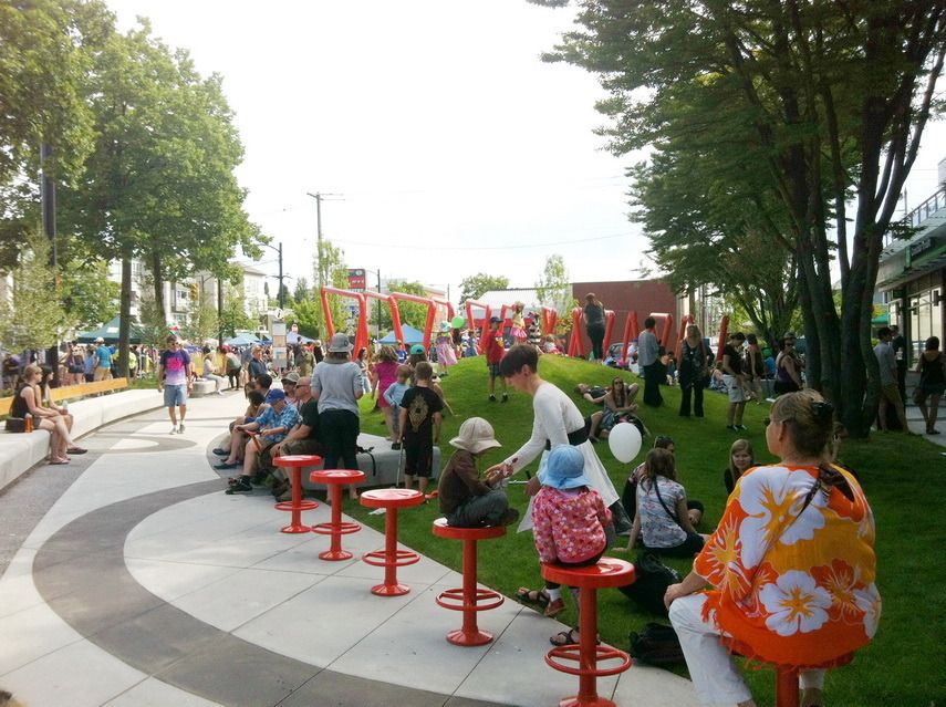 What Vancouver S Mid Main Park Can Teach Us About Small Parks I Love Tiny Parks The More Itty Bitty The Better And Landscape Architecture Landscape Urban Park