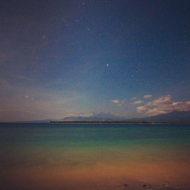 impeccable.indonesia.  #108 #indonesia #longexposure #giliair #islandlife #island #night #goodtime #company #mushrooms #shakes #psychedelic #spacecafe