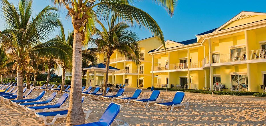 All Beachfront Suites Accommodations : Wyndham Reef Resort, Grand Cayman