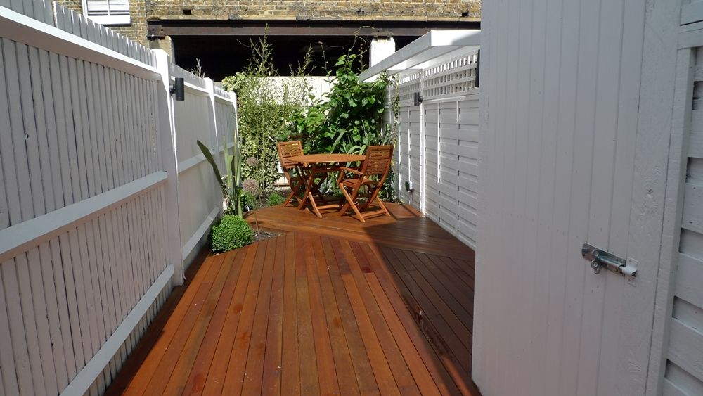 Best Pin By Sarah Miesh On Garden Ideas Garden Design London 400 x 300