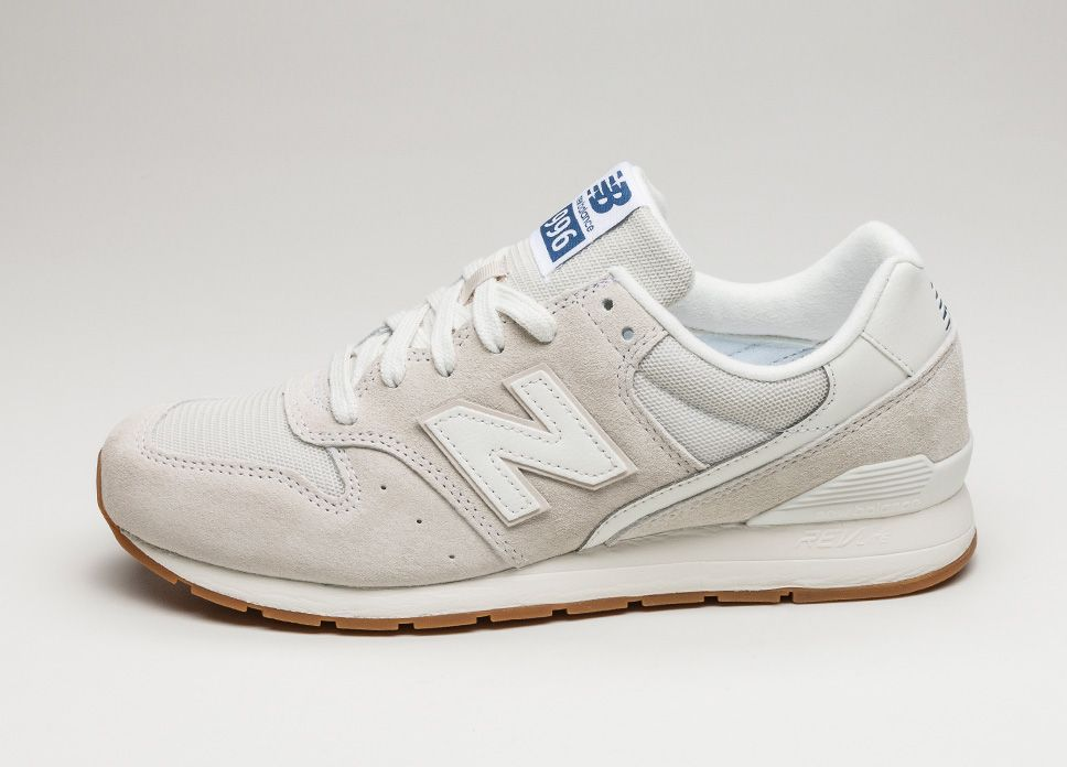new balance 996 suede trainers in beige mrl996kt