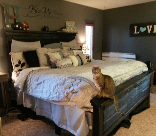 king bed from reclaimed barn wood   Do It Yourself Home ...