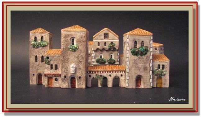 Mobili medievali ~ Collezione casette in miniatura miniterre tipologia medievali
