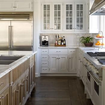 Delicieux Fantastic Kitchen With Wire Brushed Oak Cabinets With Marble Countertops  And Marble Slab Backsplash.
