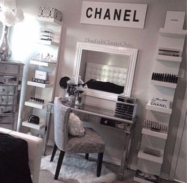 Dressing Room Decor Fashion Beauty Style Blogger Pippa O Connor Bags To Have In My Glam Chanel Mac Victorias Secret Shoe Designers