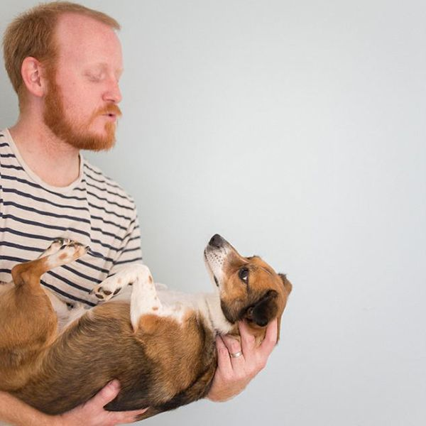 Couple Has Ridiculously Adorable Photoshoot With Puppy As If It