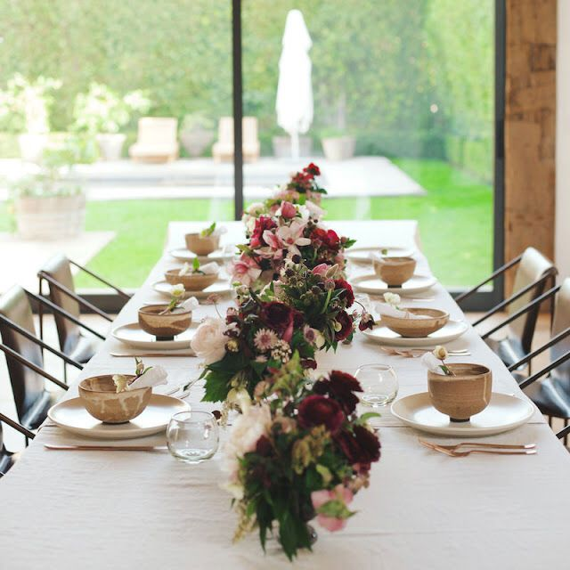 Celebrity Wedding Flowers Centerpieces: Beautiful Floral And Pottery Place Setting