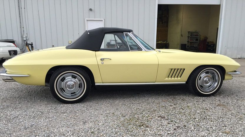 1967 Chevrolet Corvette Convertible 2 Chevrolet Corvette