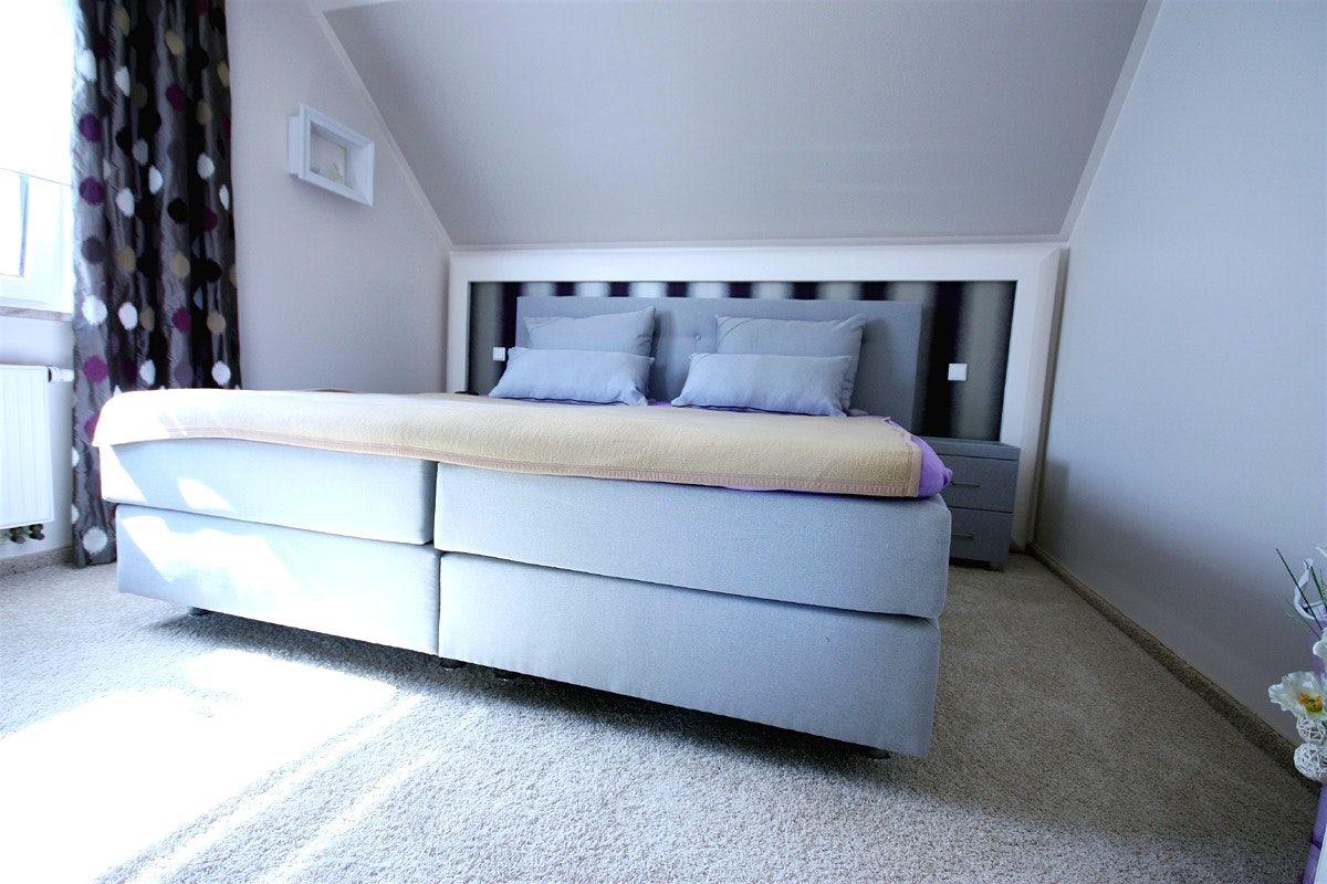 Tapeten Schlafzimmer Mit Schrage Wohndesign Und Interior Ideen