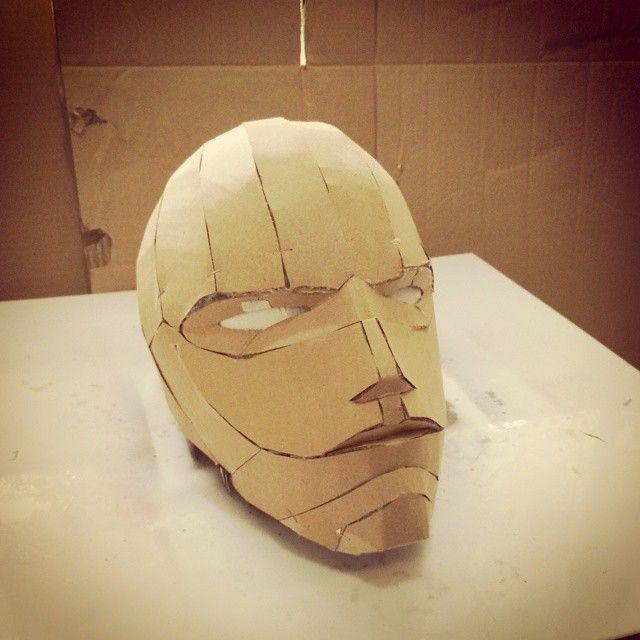 Dali-lomo: Red Hood DIY Costume Helmet (free PDF Template
