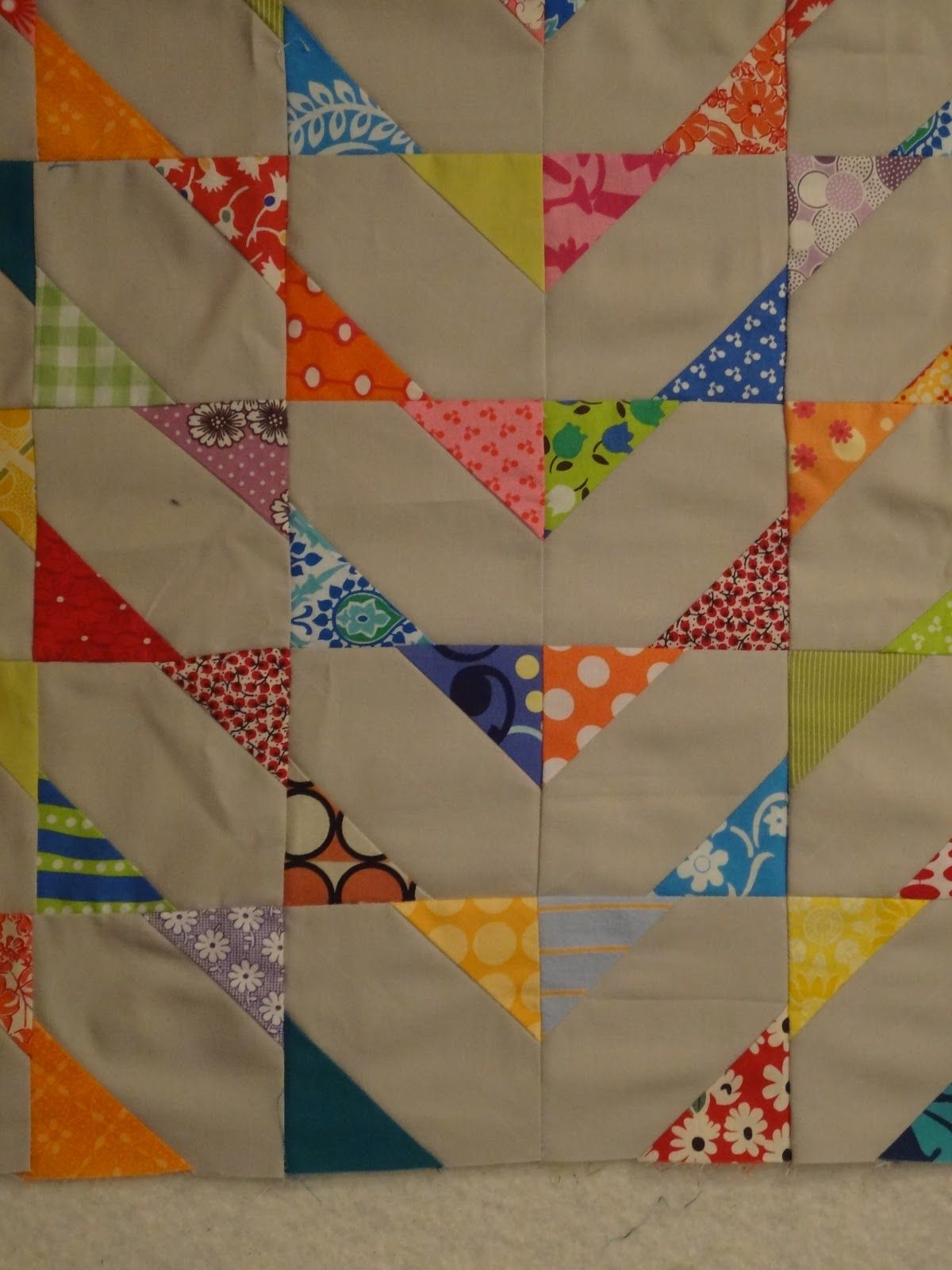 Andie johnson sews design wall monday quilting pinterest andie johnson sews modern scrappy baby quilt free pattern and tutorial jeuxipadfo Choice Image