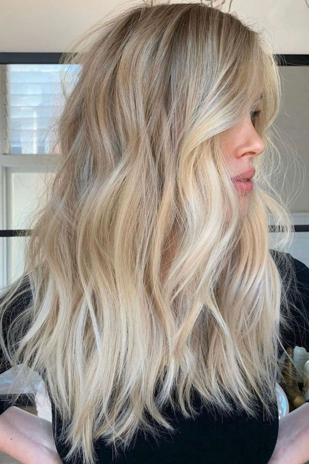 Dreamy Wavy Sandy Blonde Balayage Hair by @_edward