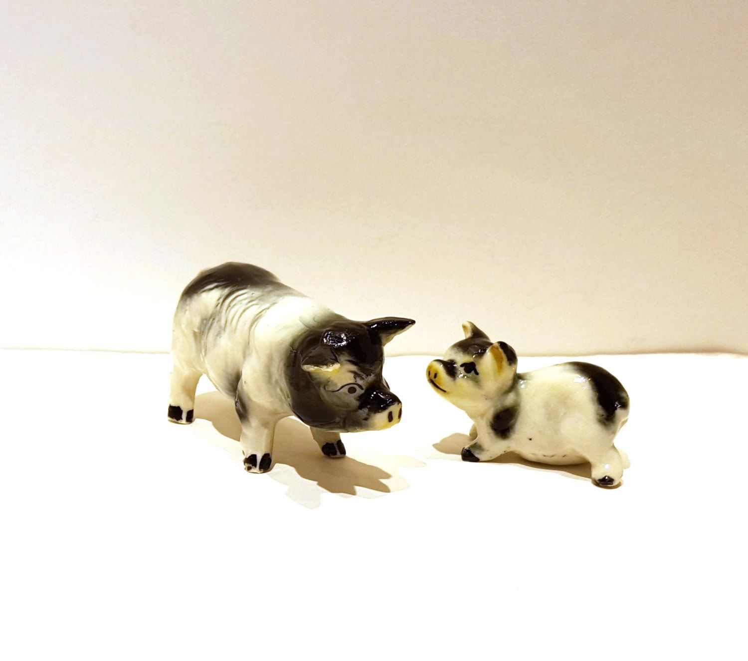 Mother Sow Baby Collectible Pigs Miniature Pigs Pig Family Black And White Pigs 1970 39 S Figurines Porcelain Baby Pigs Miniature Pigs Porcelain Pigs