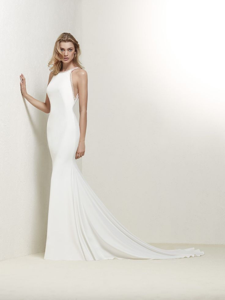DRABEA Pronovias   sleek modern wedding dress   Modern wedding ...