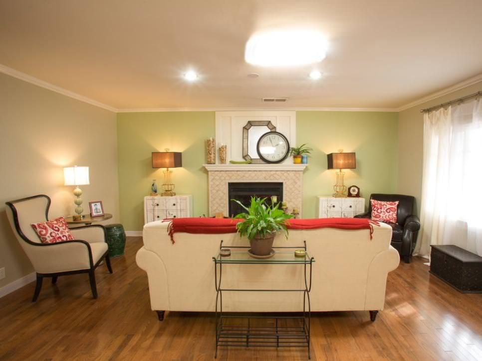Traditional Cream Living Room With Green Accent Wall | Mom ...