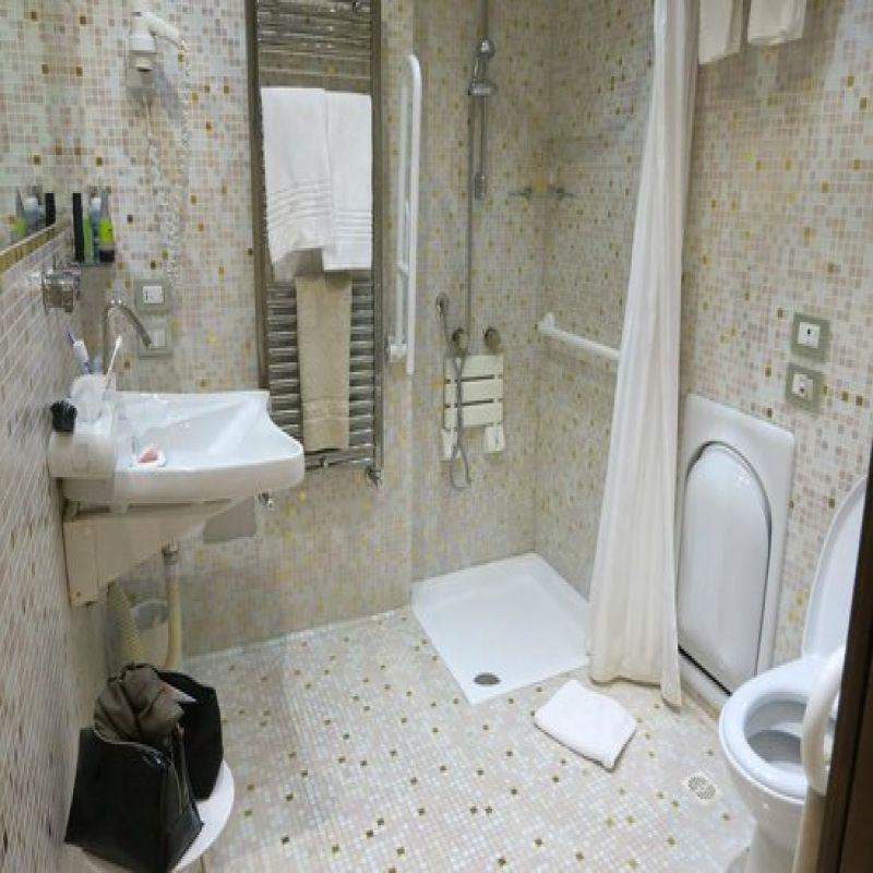 Radiateur Seche Serviettes Acova Cala Bathrooms Showers Toilets Pinterest Wardrobe Rack Towel Et Room
