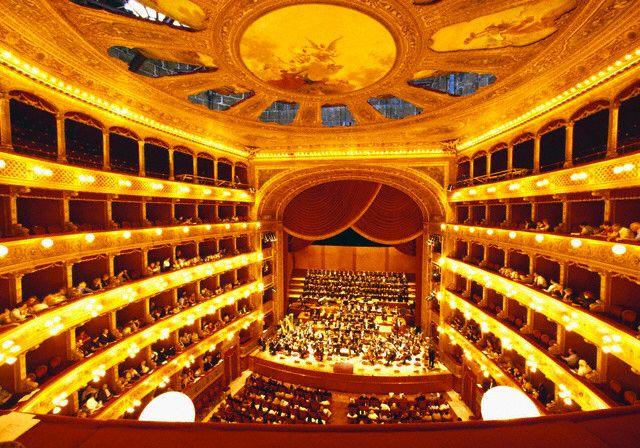 Teatro Massimo Il teatro massimo Vittorio Emanuele di ...